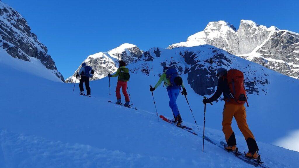 Skitouren - Vorbereitung - Touren mit Genuss! / skitouren-thun.ch